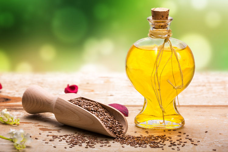 亜麻仁油とは? エゴマ油とはどこが違うの?|亜麻仁油に副作用はあるの? 亜麻仁油の弱点とは