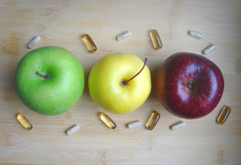 3種類のリンゴとカプセル