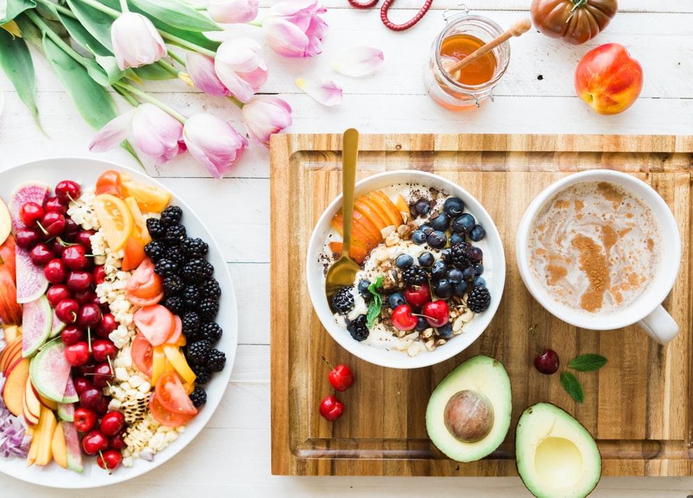 シリアルをふんだんに使った健康的な朝食