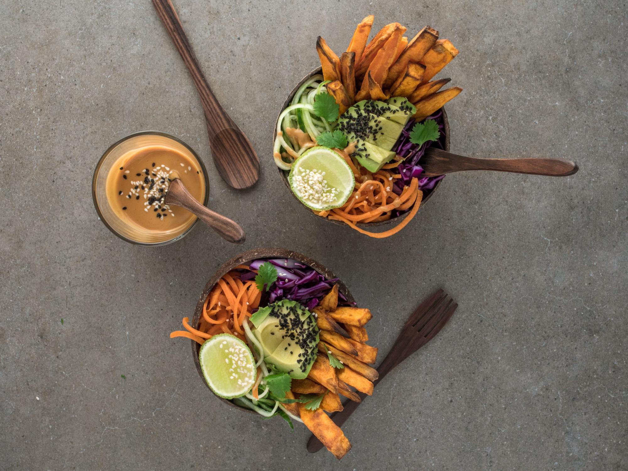 綺麗に並べた野菜の盛り合わせ