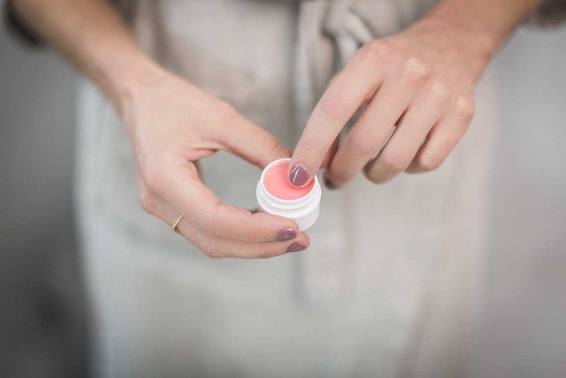ピンクのハンドクリーム