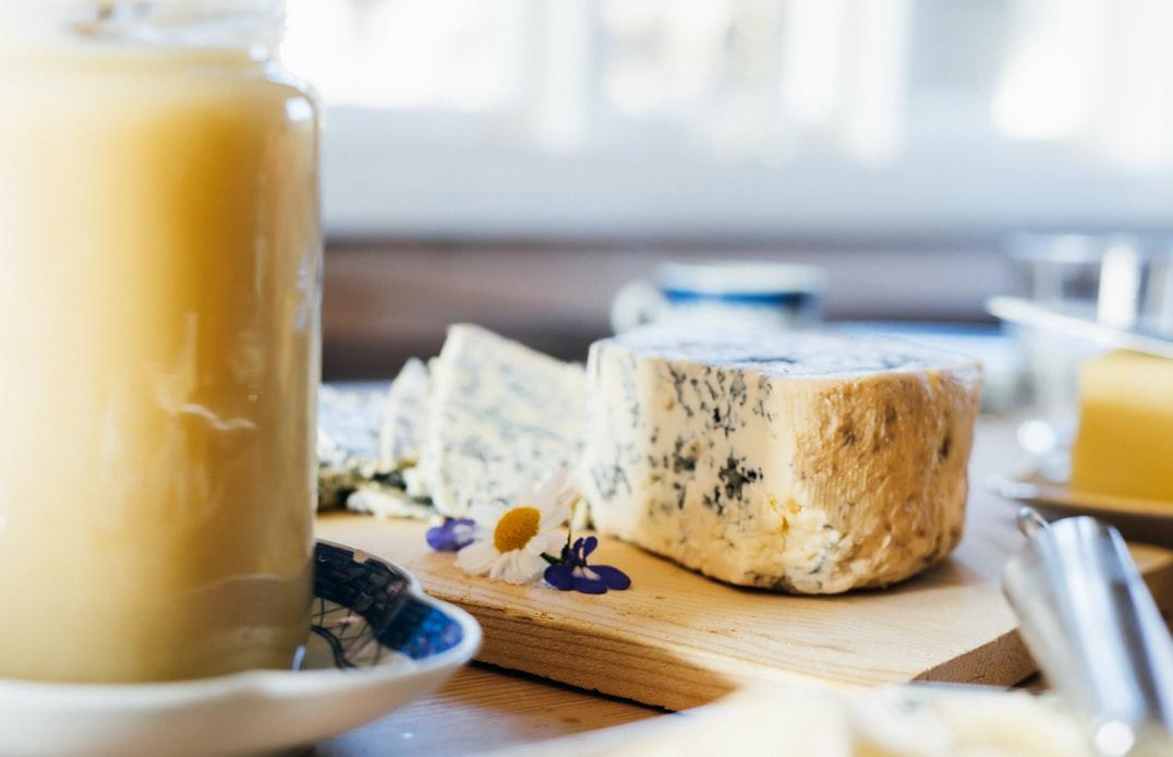 綺麗なカビが入ったチーズ