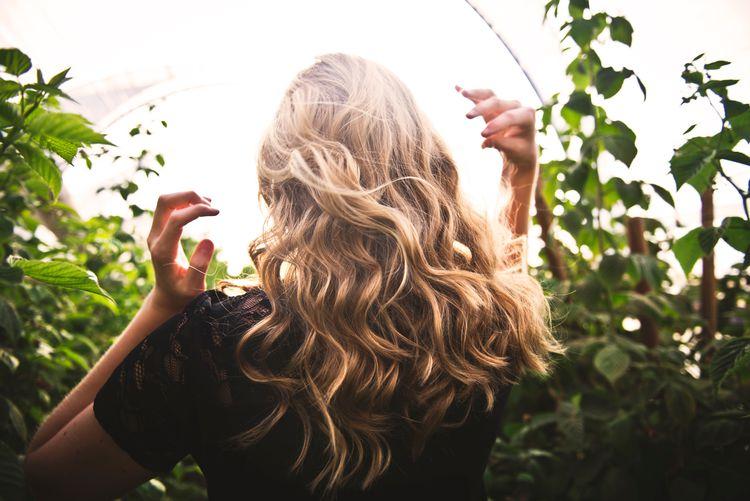 【2021年版】オーガニックのヘアカラー・白髪染めの特徴とは? おすすめ商品5選を紹介!