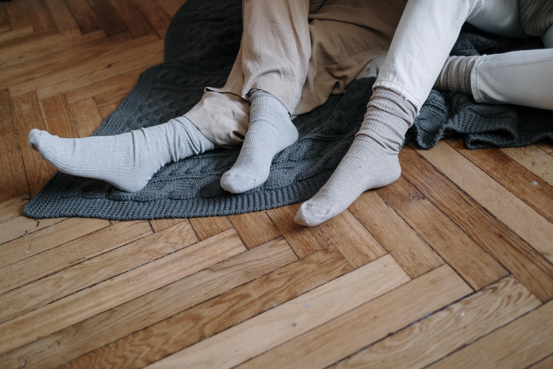 オーガニックの靴下を履いた人たち