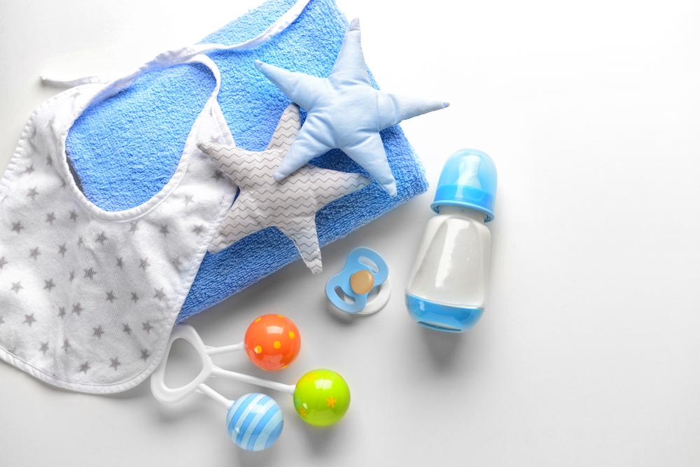 青い色の赤ちゃん用具