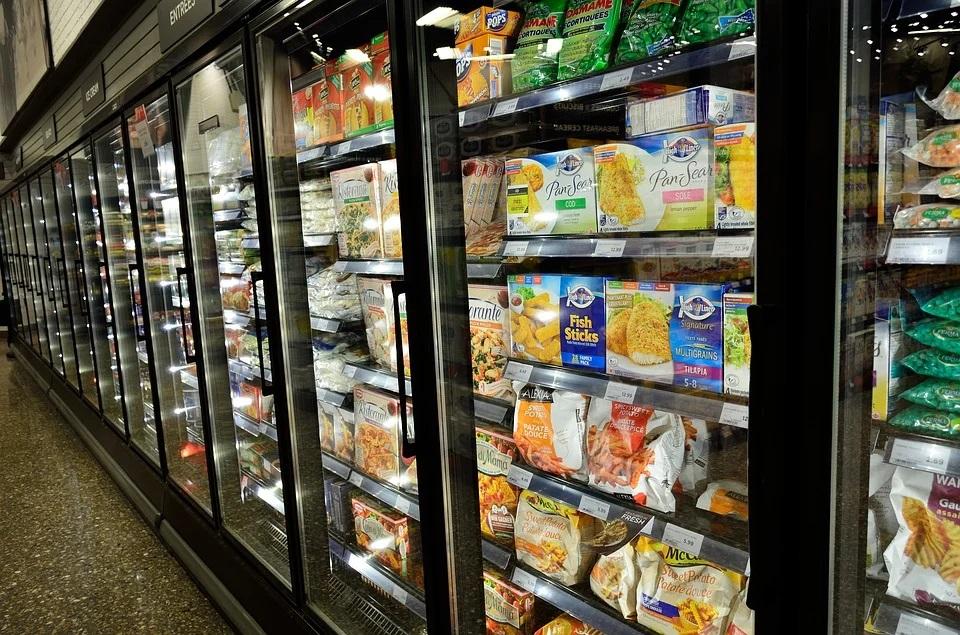 オーガニックの冷凍食品の冷凍ケース
