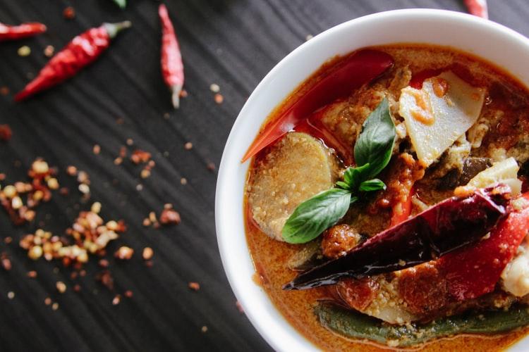 オーガニックのカレー粉のスープ