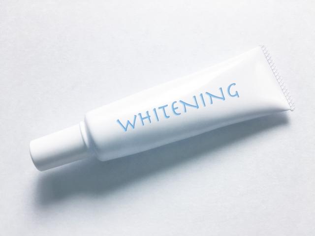 ホワイトニングのチューブ