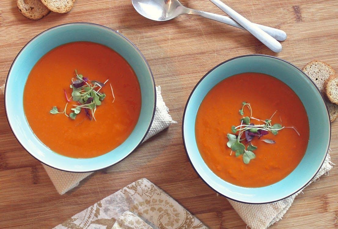 トマトベースのスープ
