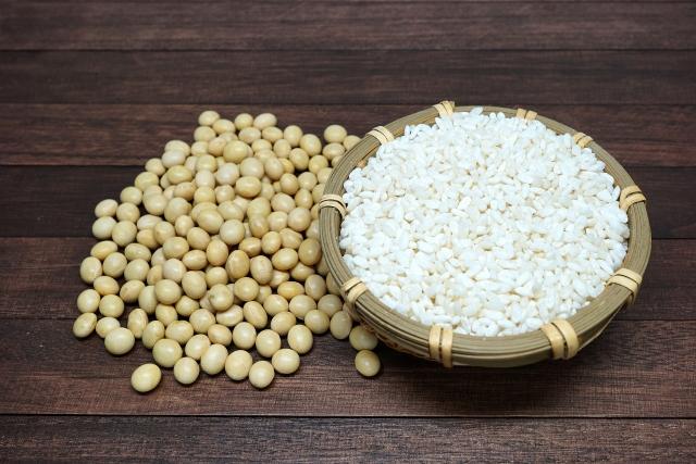 綺麗な大豆とお米
