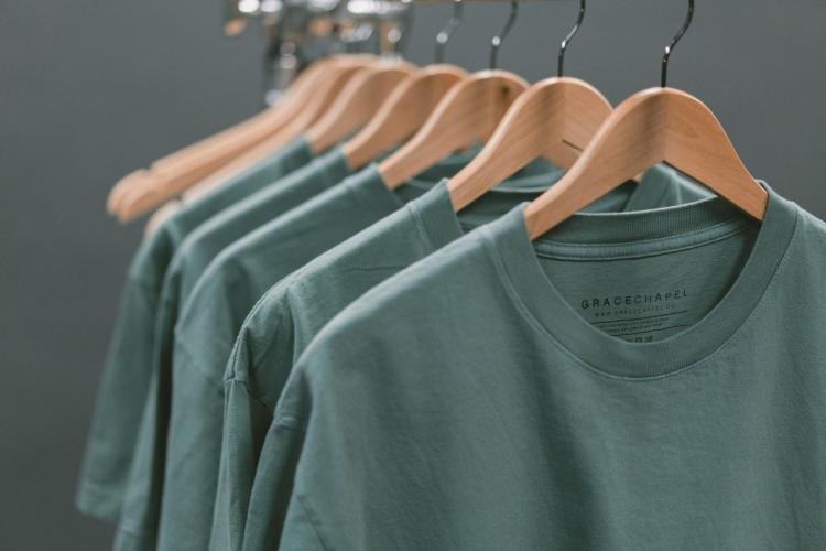 オーガニックのコットンTシャツはなぜおすすめなの?|理由とおすすめ商品5選を紹介!
