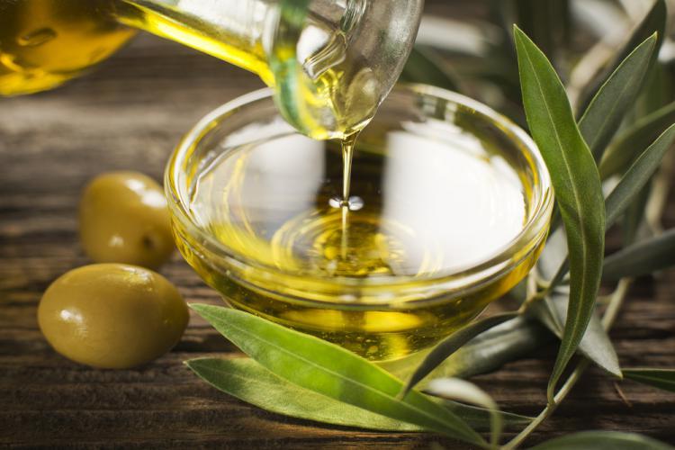 オーガニックのオリーブオイルは普通のものとどこが違うの? 選ぶポイントとおすすめ商品5選を紹介